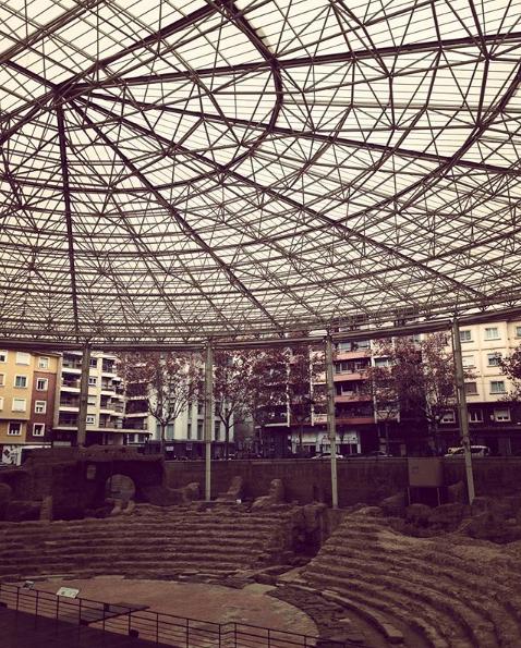 La Zaragoza que conocemos hoy viene de la ciudad romana de Caesaraugusta. Gracias a ello, podemos disfrutar de su impresionante legado que te traemos en esta Ruta Romana por Zaragoza. ¡Que la disfrutes!