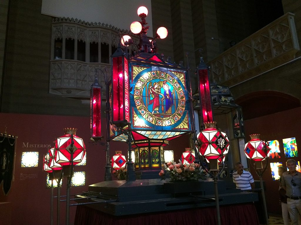El Rosario de Cristal - Museo de los Faroles del Rosario de Cristal en la Iglesia del Sagrado Corazón de Jesús