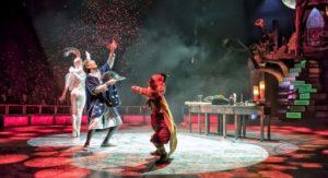 El Circo Mágico - Actuación de los artistas dando magia al espectáculo