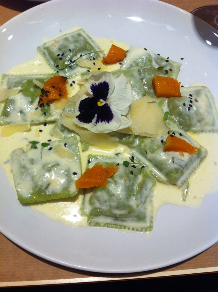 Platos típicos de Zaragoza - Raviolis de Borraja del restaurante vegetariano Baobab, situado en los aledaños de Plaza San Francisco