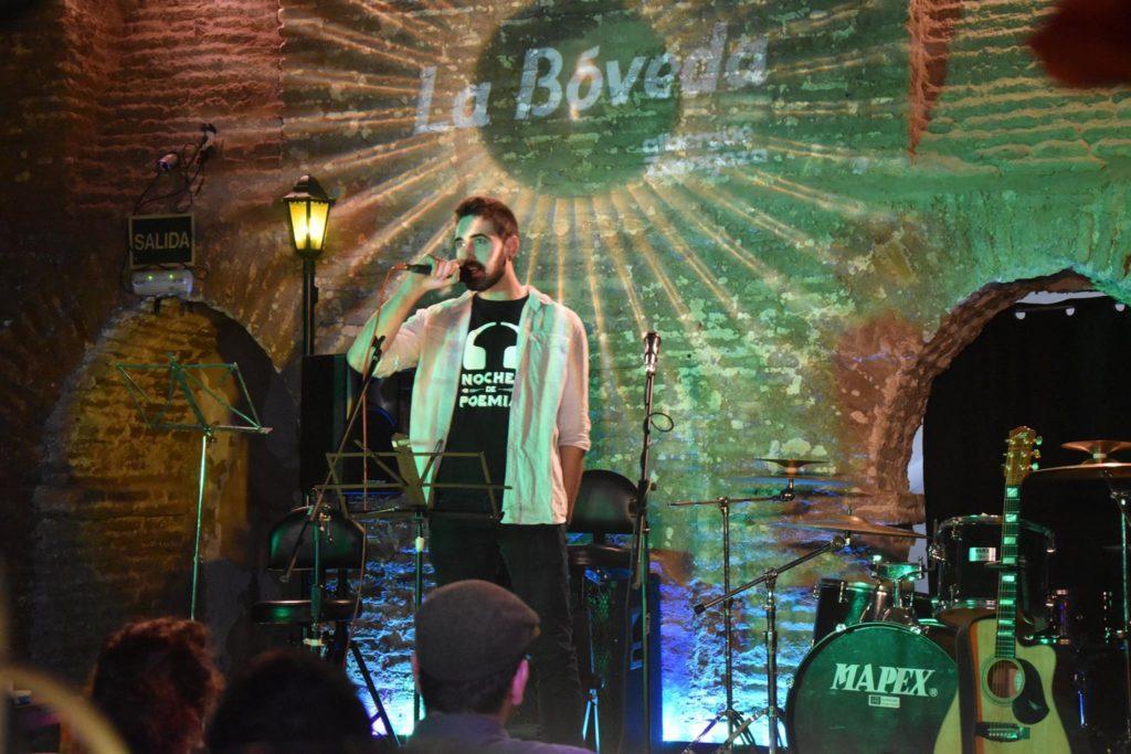 Rasmia! Primer Festival Poesía Joven de Zaragoza - Foto de La Bóveda Zaragoza - Poesía con el Altercado Slam en la Bóveda Zaragoza