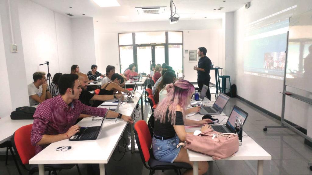 ZARAGOZA CIUDAD - formarte en marketing digital en Zaragoza con AulaCM es fácil descubre todas las ventajas