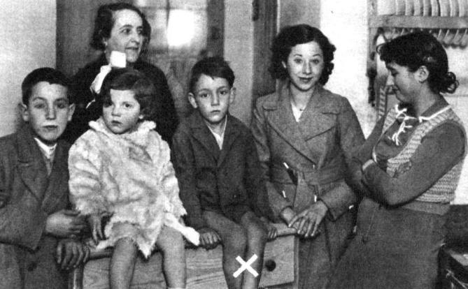 Vecinos de la casa del duende de Zaragoza