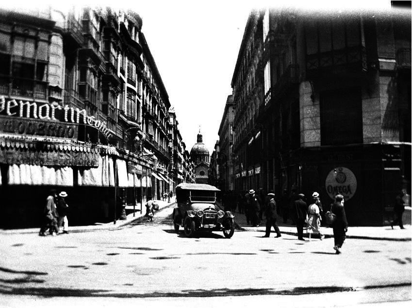 Coche en la Calle Alfonso